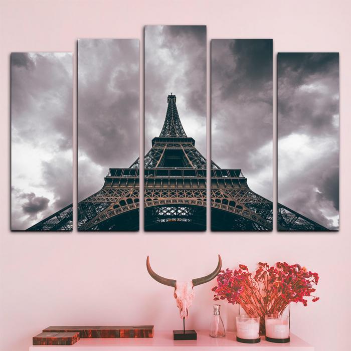 Модульная картина Эйфелева башня в серых облаках