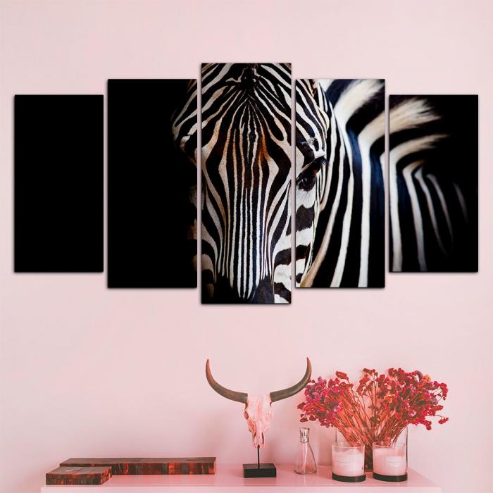 Модульная картина Зебра на темном фоне